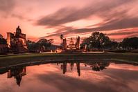 タイ 黄昏のスコータイ歴史公園