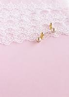 レースと真珠のイヤリング