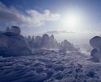 山形県 蔵王温泉 シュカブラ(風雪紋)と樹氷
