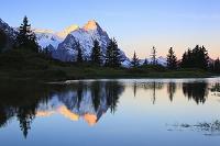 スイス スイスアルプスと湖