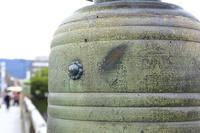 京都府 三条大橋 擬宝珠に残る池田屋事件のものと伝わる刀傷跡
