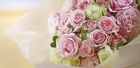 花束 ピンク グリーン バラ スプレーバラ