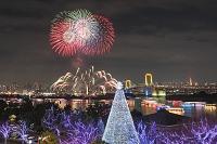 東京都 お台場 クリスマスイルミネーションと花火