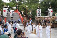 大阪府 住吉祭の神輿渡御 武者行事の行列