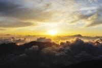 山梨県 北岳より雲海とご来光