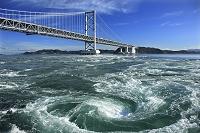 徳島県 鳴門海峡 鳴門の渦潮と大鳴門橋