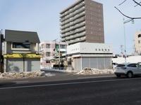 北海道 函館市 シャッターが閉まる商店街
