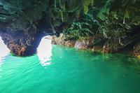 岩手県 浄土ヶ浜の青の洞窟