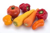 赤い野菜 ピーマン トマト ニンジン