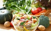 サラダと野菜集合イメージ