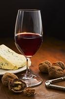 赤ワインとクルミとチーズ