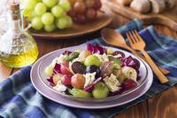 葡萄とモッツァレラチーズのサラダ