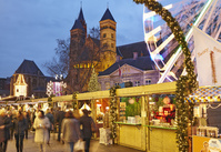 オランダ マーストリヒト フライトホフ広場のクリスマスマーケ...