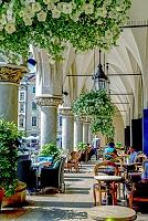 ポーランド クラクフ歴史地区 中央広場の織物会館のテラスにあ...