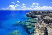 沖縄県 波照間島 最南端付近の海岸線