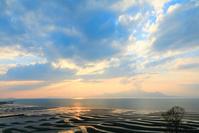 熊本県 宇土市 御興来海岸 夕日と干潟