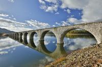 北海道 糠平湖にあるタウシュベツ川橋梁