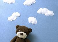 クラフト フェルトの空と雲とテディベア
