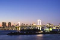 東京都 レインボーブリッジと東京タワー