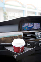 車内のカップホルダー