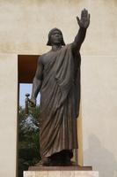 ベハンジン王の像
