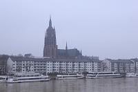 ドイツ フランクフルト マイン川と大聖堂