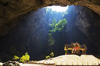 タイ王国 プラヤー・ナコーン洞窟