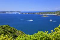 兵庫県 新緑と鳴門海峡 日本丸と咸臨丸