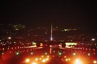 伊丹空港の夜景 離陸する飛行機 JAL