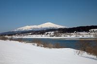 山形県 酒田市 最上川と鳥海山