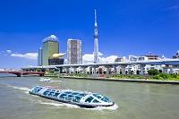 東京都 東京スカイツリーと水上バス