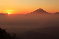 山梨県 富士山と朝日と雲海
