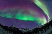 アメリカ合衆国 アラスカ 赤いオーロラ