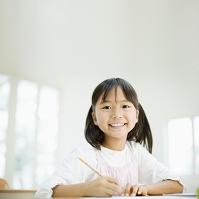 笑う日本人の女の子