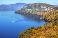 青森県 十和田湖 敢湖台からの眺望