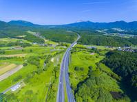 岡山県 米子道と大山遠望