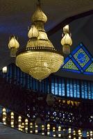 マレーシア ナショナルモスク メインホールのシャンデリア