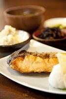鮭定食(一汁三菜)