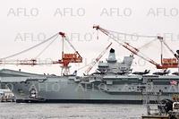 英空母「クイーン・エリザベス」 横須賀に入港