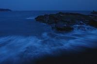和歌山県 白浜 志原千畳敷 薄暮の渚