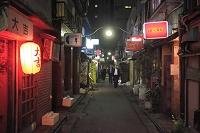 東京都 夜の新宿ゴールデン街
