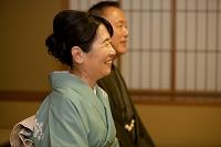 笑顔の中高年日本人女性