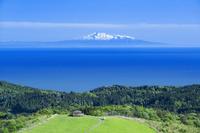 秋田県 寒風山と鳥海山