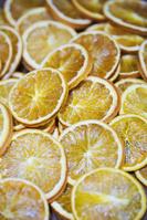 スライスされたオレンジのドライフルーツ