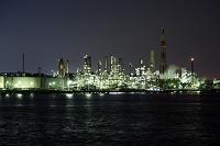 神奈川県 根岸湾臨海工業地帯の夜景