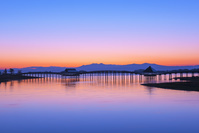 日本 青森県 鶴の舞橋の夜明け