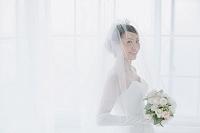 ブーケを持つ日本人花嫁