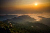 タイ チェンライ ドーイパタンの雲海