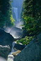 アメリカ合衆国 ヨセミテ国立公園 ヴァーナル滝