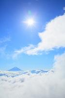 山梨県 櫛形山林道 朝の富士山と雲海と朝日